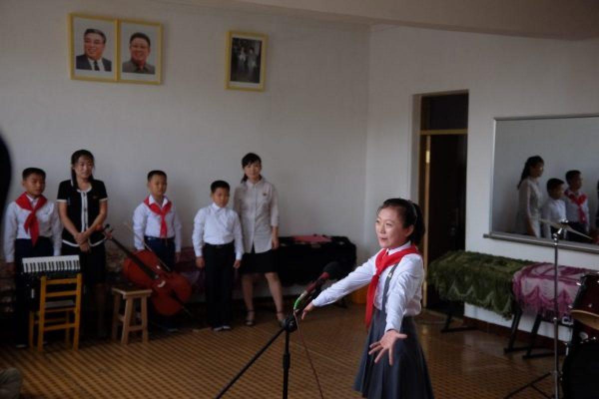 At the schoolchildren's palace, Pyongyang, North Korea